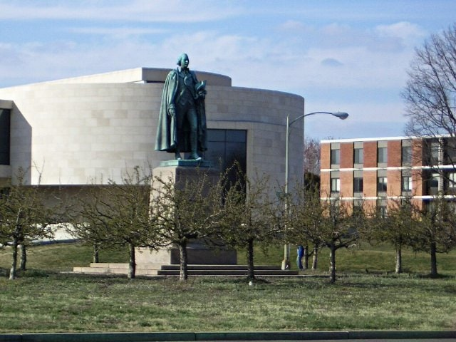 Du Massangis au Katzen Arts Center Washington vue2