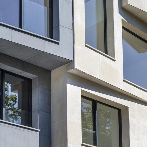 ROCAMAT facade maison richard lenoir architecte studio vincent eschalier Sebastopol et Buxy bleu