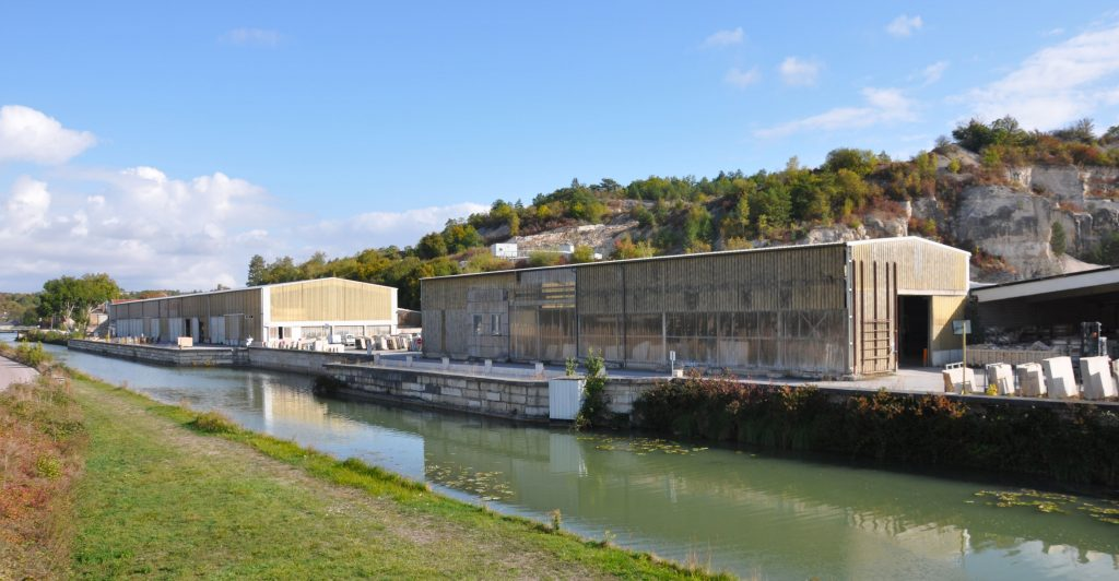usine de transformation pierre naturelle ROCAMAT Ravieres