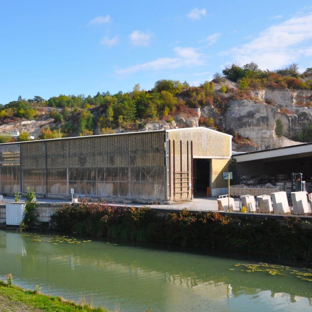 usine de transformation pierre naturelle ROCAMAT Ravieres square