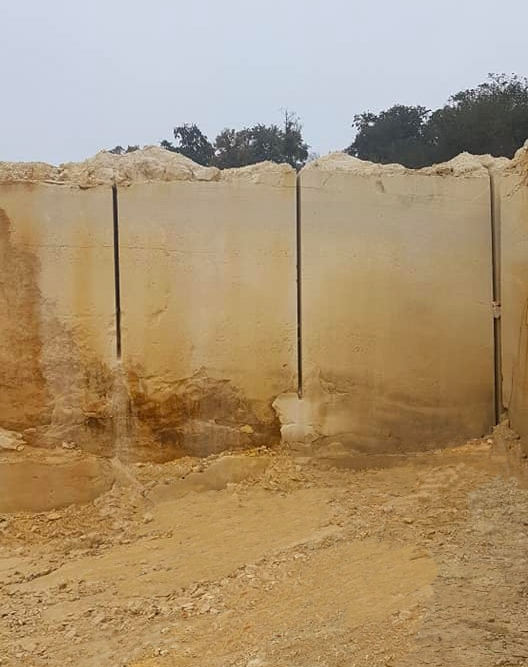 01 carriere pierre massive sebastopol ROCAMAT maison de sante audun le roman