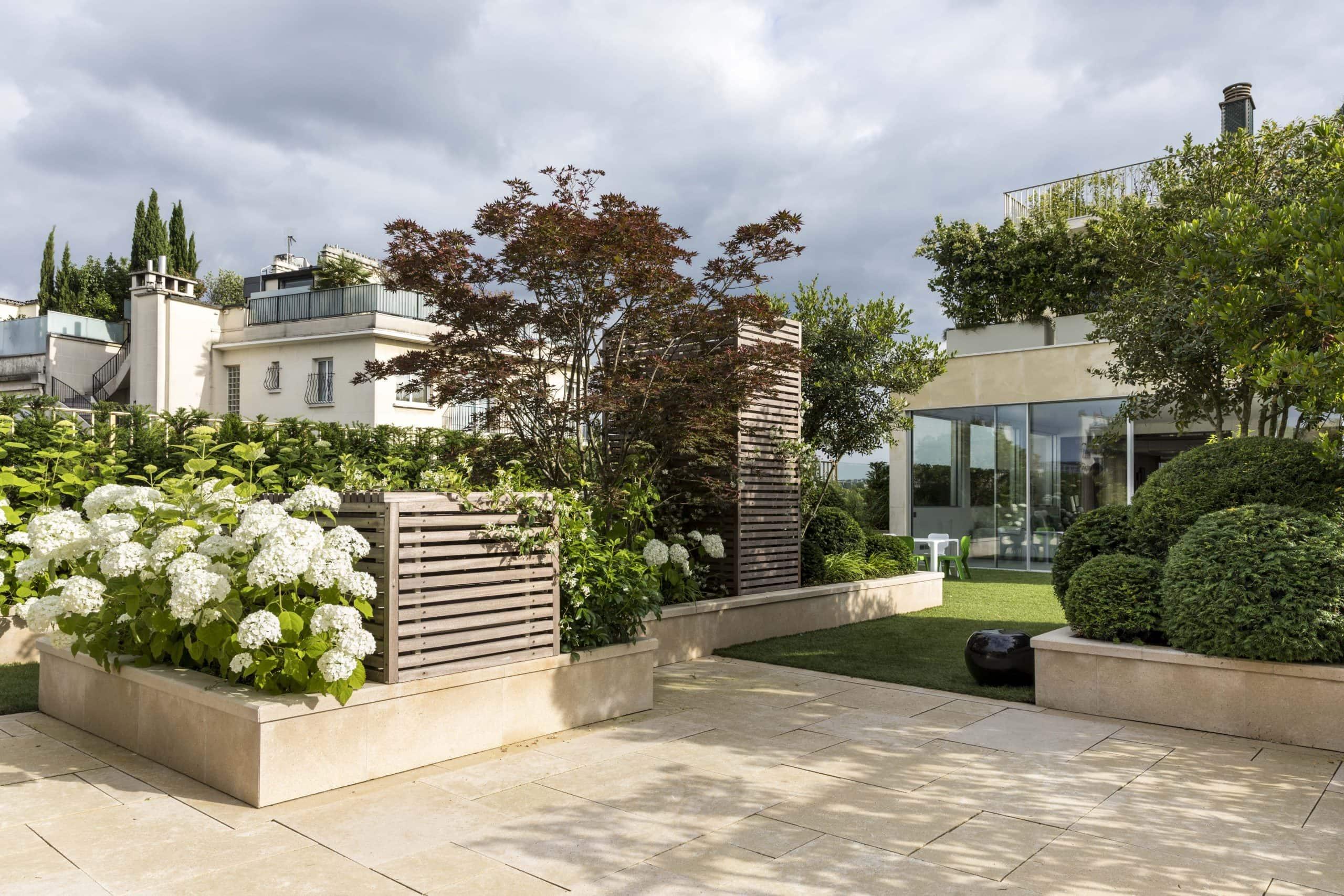 ROCAMAT Jardin Prive PAris Paysagiste Didier Danet EUVILLE photo de Laurent Guicharnon12 scaled